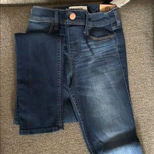 Abercrombie kids girls size 11/12dark  jeggins
